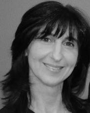 Tina Manolitsas