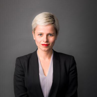 Alina  Leikin